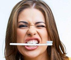 Можно ли мазать прыщи зубной пастой