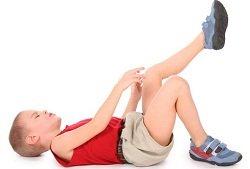 У ребенка на коленях прыщи: причина и лечение